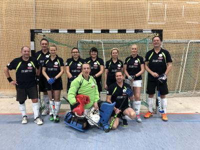 Foto zur Meldung: HCKW Schlossgeister am Wochenende bei der Elternhockey- Liga