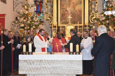 Aufnahme von Pfarrer Dr. Umeh in die Gebetsgemeinschaft (v.l. Kaplan Thomas Rose, Pfarrer Dr. Emmanuel C. Umeh, Präfekt Johann Christ) Foto: privat