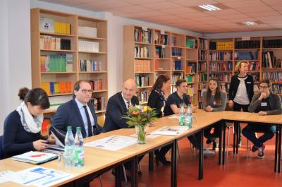 Diskussionsrunde am Leonardo-Da-Vinci-Campus.