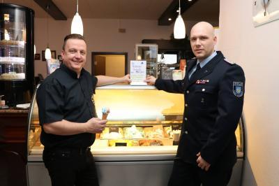 Foto zur Meldung: Feuerwehr-Eis im Jubiläumsjahr