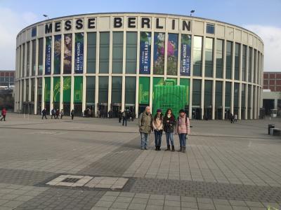 Foto zur Meldung: Die Schülerzeitung bei der Internationalen Grünen Woche