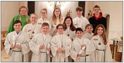 Vorschaubild zur Meldung: Vier neue Ministranten für die Pfarrei Ruderting