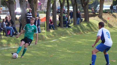Iven-Fred Kiesow ( grünes Trikot ) war in der Hinrunde in der Demminer Hintermannschaft ein Stabilitätsfaktor