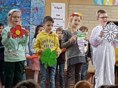 """Vorschaubild zur Meldung: Die Nordschule beendet das 1. Schulhalbjahr mit der Monatsfeier """"Winter"""""""