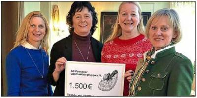 Foto zur Meldung: Goldhaubenfrauen unterstützen Seniorenhilfe