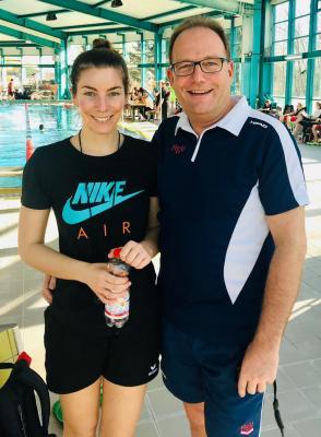 Vorschaubild zur Meldung: Corinna Clobes absolviert C-Trainer Lizenz Schwimmen