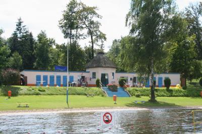 Badeanstalt Brüssow Seeseite (Foto H. Richter)