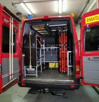 Vorschaubild zur Meldung: Neues Lager- und Regalsystem für das Fahrzeug Florian Köditz 11/1