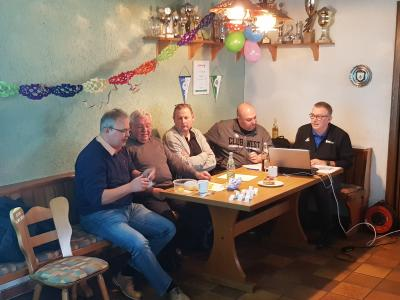 Funktionäre von links: Thomas Unger, Ernst Gamm,  Thomas Thüroff, Christian Diller und Klaus Schmalz.