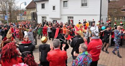 Vorschaubild zur Meldung: Narren stürmten das Rathaus – Bürgermeister erfolgreich befreit!