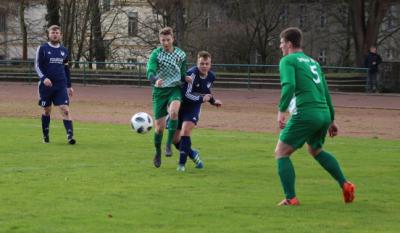 Mit seinem Treffer zum 2:0 kurz nach beginn der zweiten Halbzeit brachte Iven-Fred Kiesow ( grün-weiss, am Ball ) den Demminer SV auf die Siegerstrasse