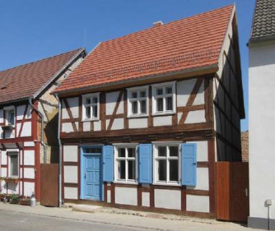 """Vorschaubild zur Meldung: Das Gebäude """"Alte Poststraße 5"""" sucht einen neuen Eigentümer"""