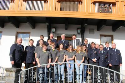 Foto zur Meldung: Die Feuerwehr wählte die gesamte Vorstandschaft
