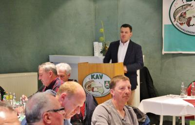 Finanzminister Schröder bringt Wertschätzung für Arbeit des Vereins zum Ausdruck