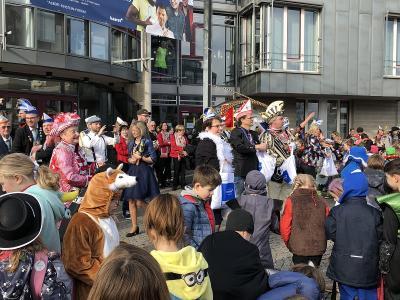 Foto zur Meldung: Veedelszoch zum Rathaus