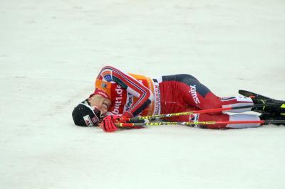 Habe fertig: Der neue Weltcup-Gesamtsieger Jarl Magnus Riiber gewinnt auch Saisonfinale in Schonach - Foto: Joachim Hahne / johapress