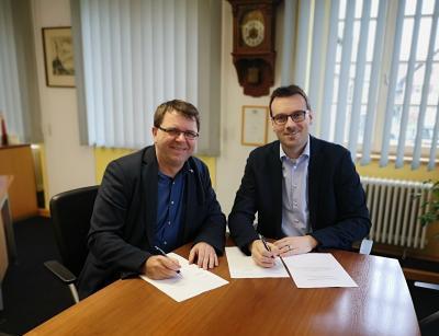 Vorschaubild zur Meldung: Offizielle Unterzeichnung der öffentlich-rechtliche Vereinbarung zur interkommunalen Zusammenarbeit