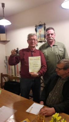 Foto zur Meldung: TZF Pressemitteilung: Alt-Landrat wird Ehrenmitglied