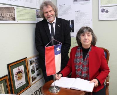 Foto zur Meldung: Auf Anwandters Spuren: Chilenische Botschafterin besucht Calau