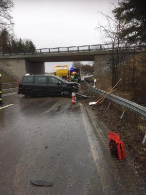 Vorschaubild zur Meldung: Verkehrsunfall mit PKW