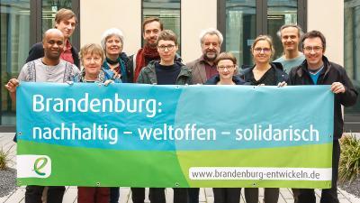 Brandenburg: nachhaltig – weltoffen – solidarisch. www.brandenburg-entwickeln.de