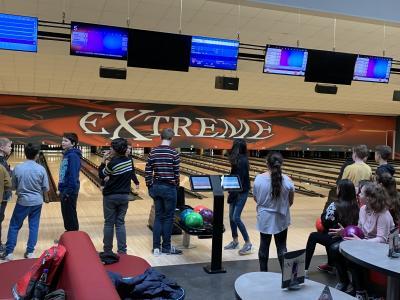 Vorschaubild zur Meldung: Besuch der Bowlingsbahn