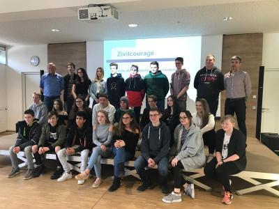 Die Schülersprecher beim Workshop in Untergriesbach