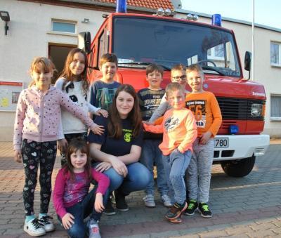 Foto zur Meldung: Feuerwehrleute in der Mache