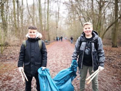 Foto zur Meldung: Die Robert-Reinick-Grundschule packt an.