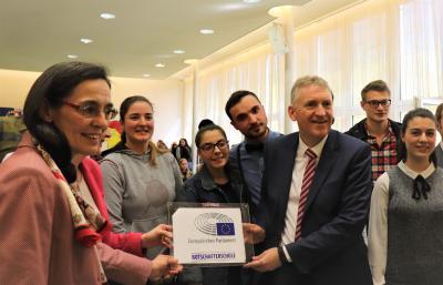 Vorschaubild zur Meldung: TGSBBZ Saarlouis wird Botschafterschule für das Europäische Parlament – Höhepunkt einer langen Reise