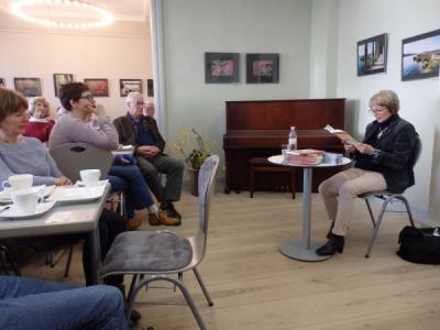 """Foto zu Meldung: Literatur-Café: Heidelore Rutz """"Klopfzeichen: Mein Weg in die Freiheit: vom DDR-Ausreiseantrag zum Häftlingsfreikauf"""""""