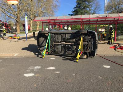 Foto zur Meldung: Übung Technische Hilfeleistung Verkehrsunfall