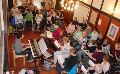 Konzentrierte Chorprobenarbeit