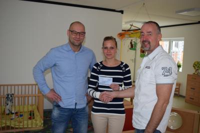 Vorschaubild zur Meldung: Kita Schmetterling erhält 500,00 € von der Volkswagen Sachsen GmbH