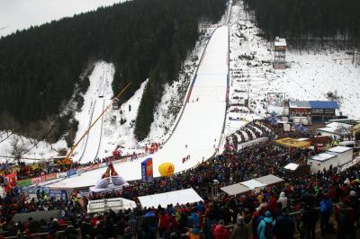 Am 14. bis 16. Februar 2020 gastiert der Weltcup-Zirkus der Skispringer wieder an der Hochfirstschanze von Titisee-Neustadt - Foto: Joachim Hahne / johapress