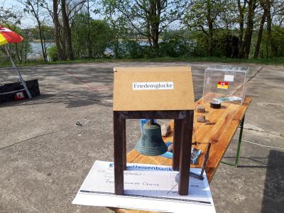Foto zur Meldung: Grundsteinlegung für die Friedensglocke in Crivitz