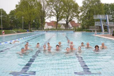 Teilnehmer des alljährlichen Anschwimmen