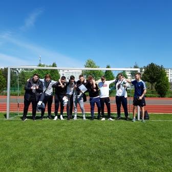 Foto zur Meldung: 2. Platz im Regionalfinale Fußball WK II männlich