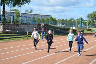Foto zur Meldung: 22. Kinder- und Jugendsportspiele im Landkreis OSL - Leichtathletik-Dreikampf