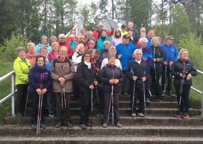 Foto zur Meldung: Nordic Walking mit Gleichgesinnten