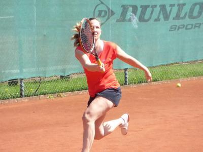 Vanessa Meinhardt bei Ihrem Erfolg bei den Damen 30 gegen den TSV Havelse
