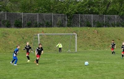 Vorschaubild zur Meldung: Fb-mJF2: FSV Eintracht Eisenach II - FC Eisenach