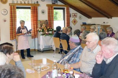 Vorschaubild zur Meldung: Maiandacht und gemütliche Stunden der Prackenbacher Senioren am 09.Mai
