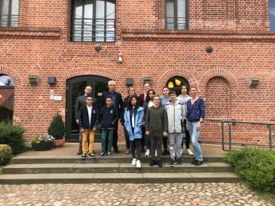 """Vorschaubild zur Meldung: Besuch aus Frankreich im Reitinternat """"Mühle Spiegelberg"""""""