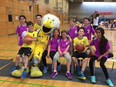 """Foto zur Meldung: Grundschule """"Teupitz am See"""" beim Finalturnier des MBS und ALBA Basketball Schulcup"""