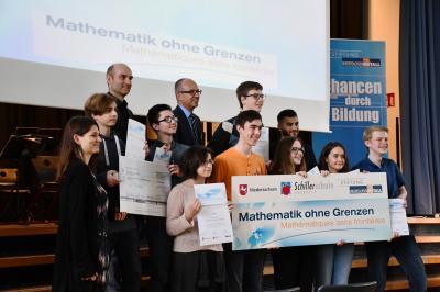Vorschaubild : 10LB gewinnt internationalen Mathematikwettbewerb