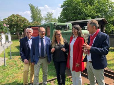 Foto zur Meldung: Ausschussvorsitzende aus Berlin besucht Erdölmuseum