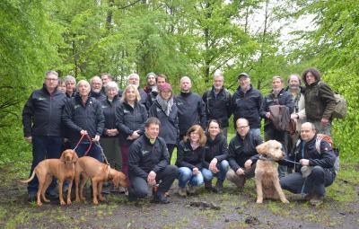 Vorschaubild zur Meldung: Naturparkbotschafter mit einheitlichen neuen Jacken ausgestattet