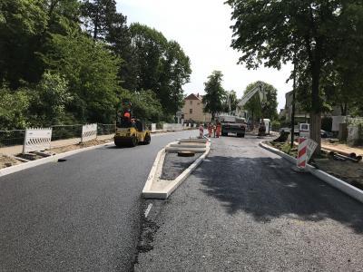 Bautätigkeiten in der Hamburger Straße, Einmündung Heinrich-Heine-Straße. (Foto: Christoph Artymiak, Stadt Nauen)