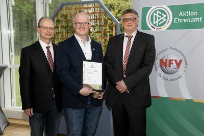 Verleihung des DFB-Ehrenamtspreises an Carsten Schoon
